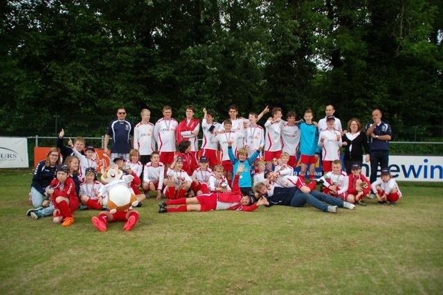 """G-voetbal bij NVC: """"Voetbal is vriendschap!"""""""
